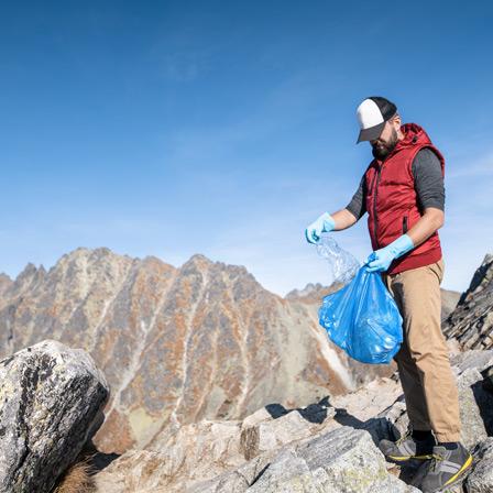 Ramassage de déchets avec La Goutte Bleue